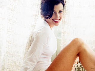 CUTE MODEL BRIDGET MOYNAHAN WALLPAPER