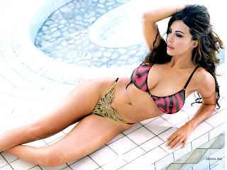 Hot Italian Theater Actress Sabrina Ferilli Bikini Picture