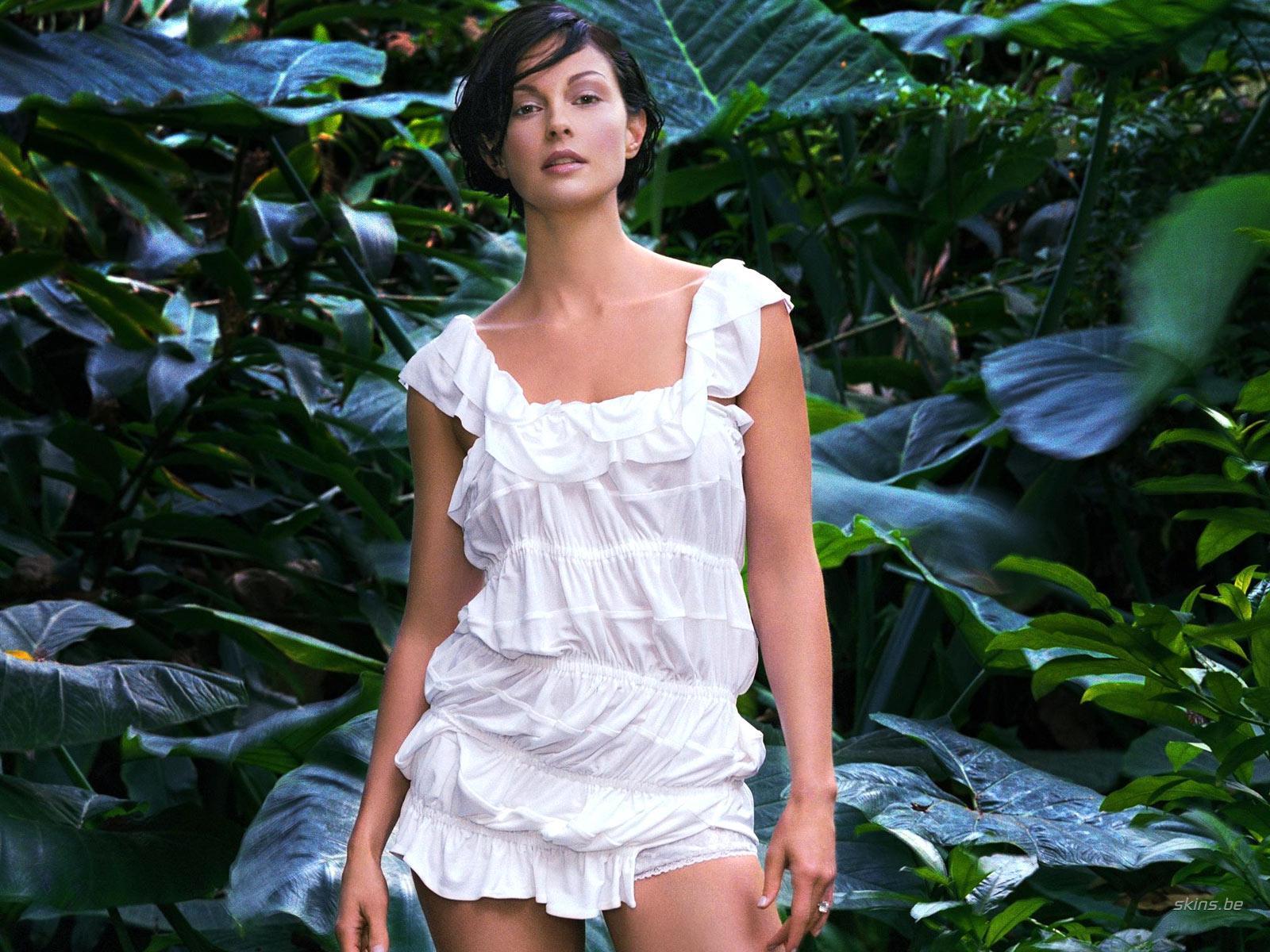 http://3.bp.blogspot.com/_GCAuqodmOE4/TOlnJI-Xw6I/AAAAAAAAE7o/PVlLKepV8aY/s1600/Ashley+Judd_0.jpg
