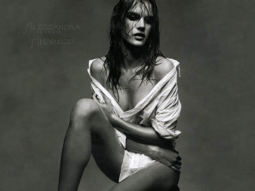 http://3.bp.blogspot.com/_GCAuqodmOE4/TQQgpSWzGuI/AAAAAAAAFWA/wkbRG-dlKzQ/s1600/Alessandra+Ambrosio+0003.jpg
