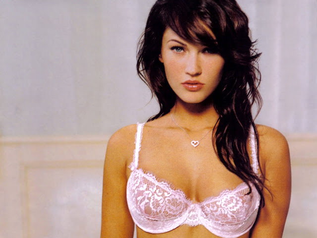 Hot Megan Fox Modeling Wallpapers 1600 * 1200