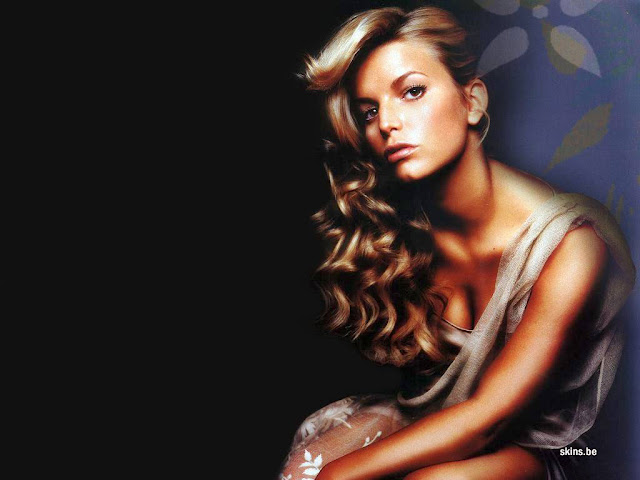 Jessica Simpson's 12 Hottest HD Wallpapers