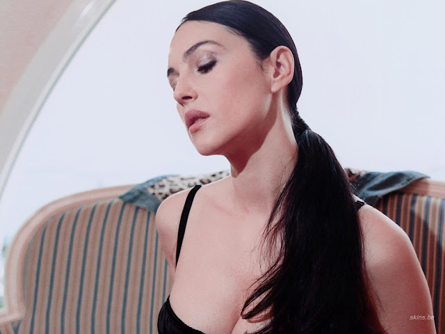 monica bellucci wallpapers. Hot Monica Bellucci Wallpapers