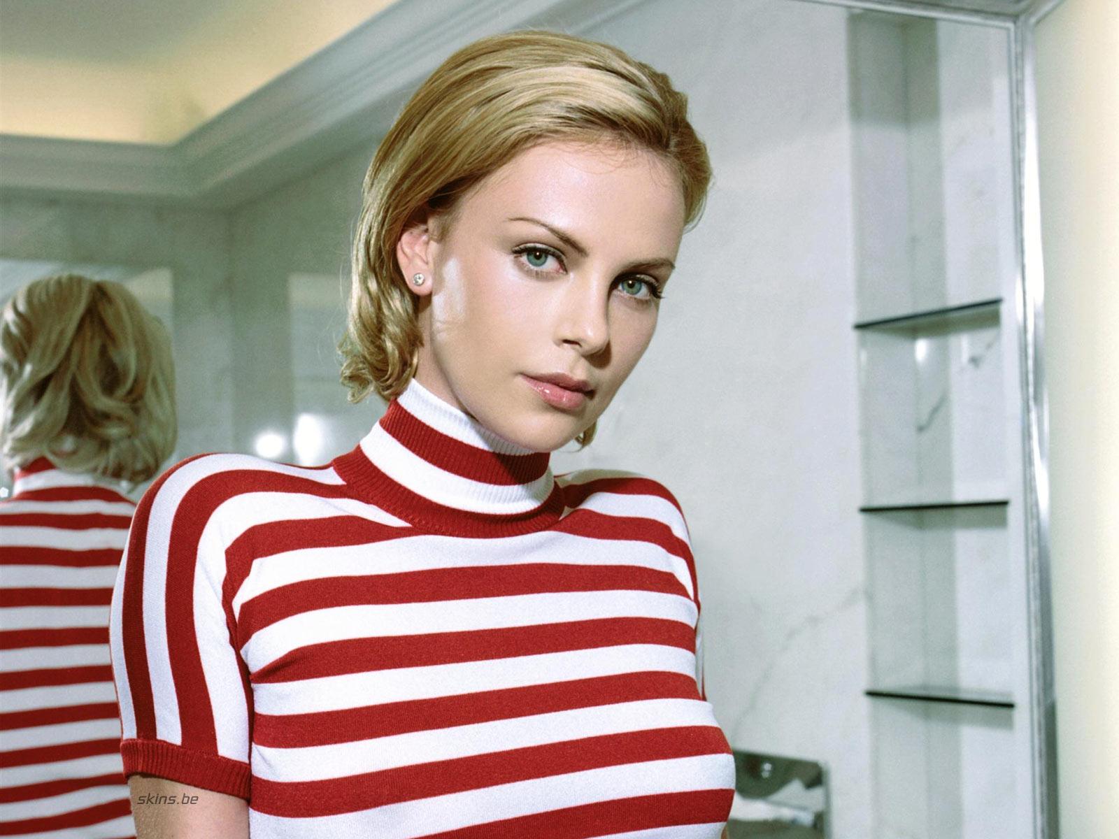 http://3.bp.blogspot.com/_GCAuqodmOE4/TS_ZIkAX6GI/AAAAAAAAG-4/aY_38x3LM6w/s1600/Charlize+Theron+In+Sexy+Strip+Shirt+Photos+%252811%2529.jpg