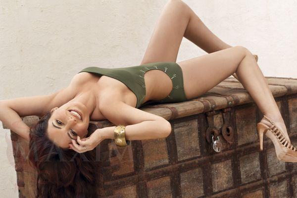 Hot Indian Model Minissha Lamba Unseen Bikini Pictures