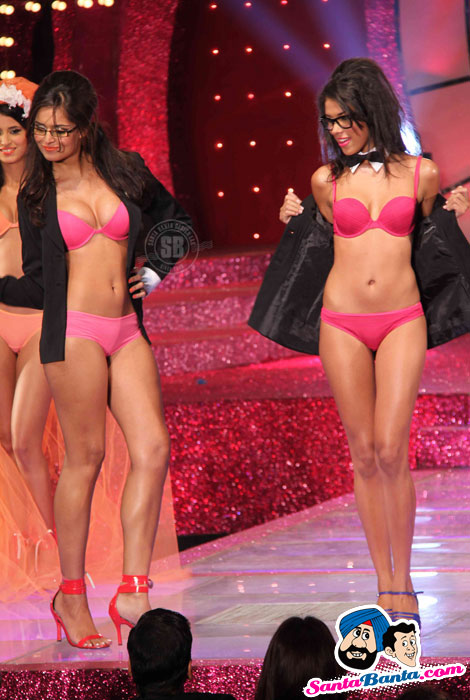 The Triumph - Lingerie Fashion Show 2011 Ramp Pics