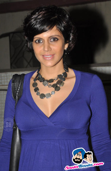 Neha Dhupia and Mandira Bedi At Gold`s Gym Calendar 2011 Launch Pics