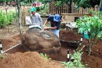 DItemukan Batu Megalit Mirip Orang Sholat