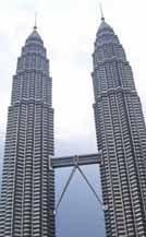 Menara Kembar Petronas Sebagai Refleksi Budaya Islam