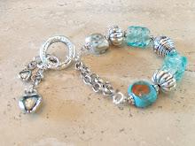 Pulsera de fantasia con perlas de murano fabricadas a mano.