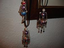 As minhas Bonequinhas - em colares ou brincos