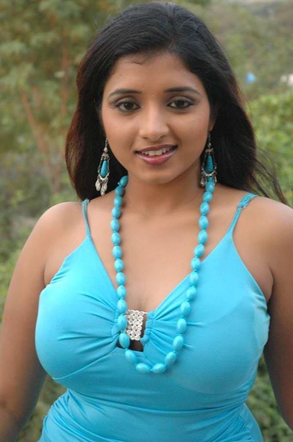 moviewallpapers: Actress Soumya Hot Photoshoot Gallery