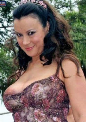 Sara varone nipple slip