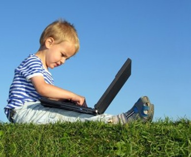 picture of child on computer