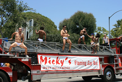 Micky's Flaming Gay Bar hot studs and hunks do their stuff