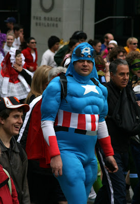 Captain America Bay to Breakers 2010