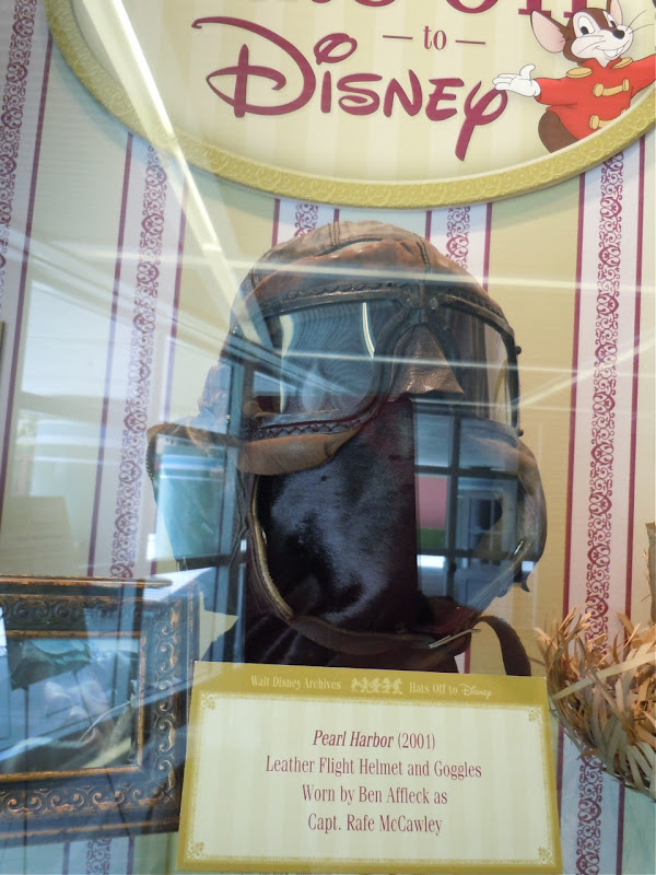 Leather flight helmet and goggles worn by Ben Affleck in Pearl Harbor
