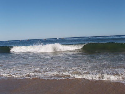 Breaking waves at Paradise Cove