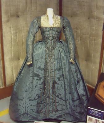 Elizabeth II - The Golden Age movie costume