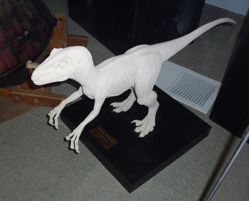 Jurassic Park Velociraptor maquette