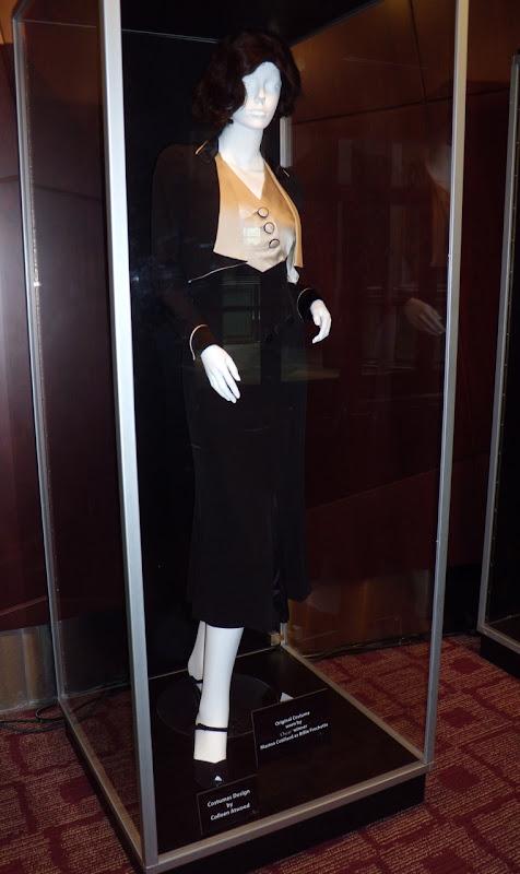 Marion Cotillard 1930s Public Enemies outfit