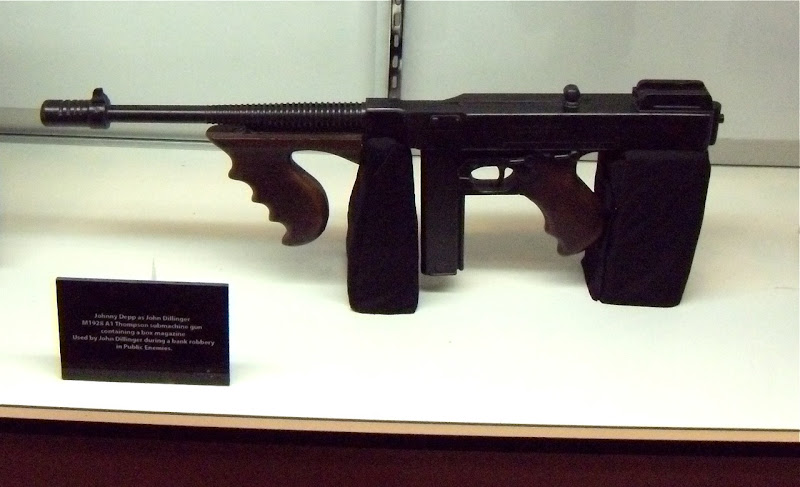 Public Enemies submachine gun film prop