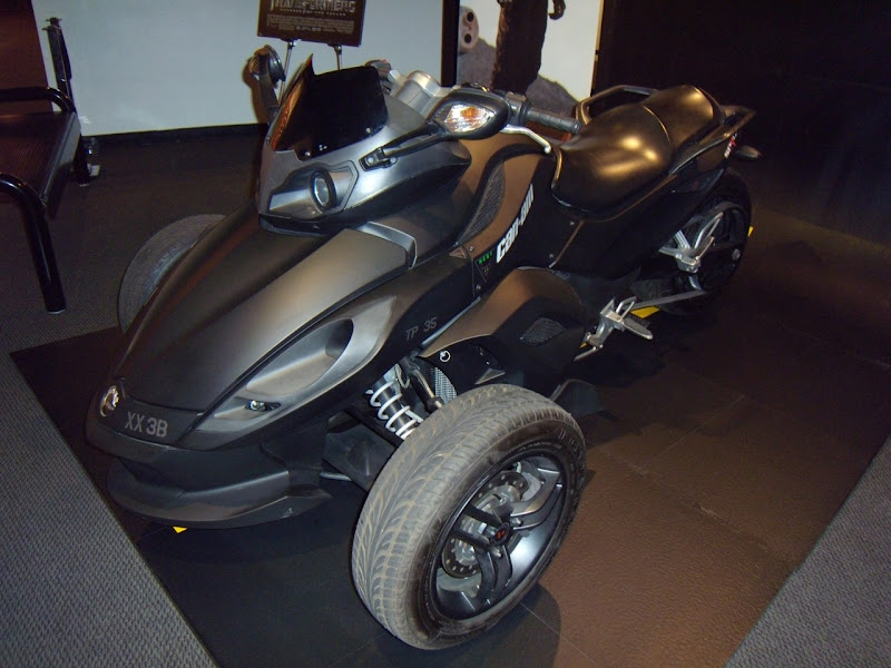 Transformers 2 Spyder Roadster movie vehicle