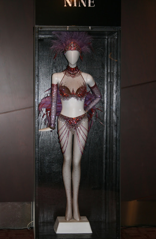 Nine Folies Bergere inspired movie outfit