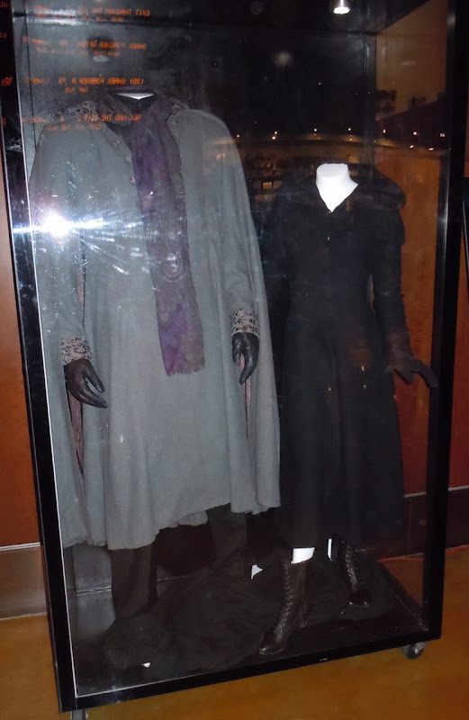 Twilight Eclipse Felix and Jane Volturi film costumes