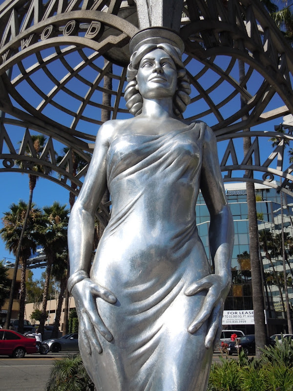 Dorothy Dandridge Hollywood gateway statue