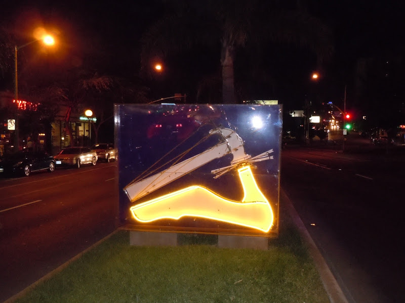 Route 66 Lights neon hammer night