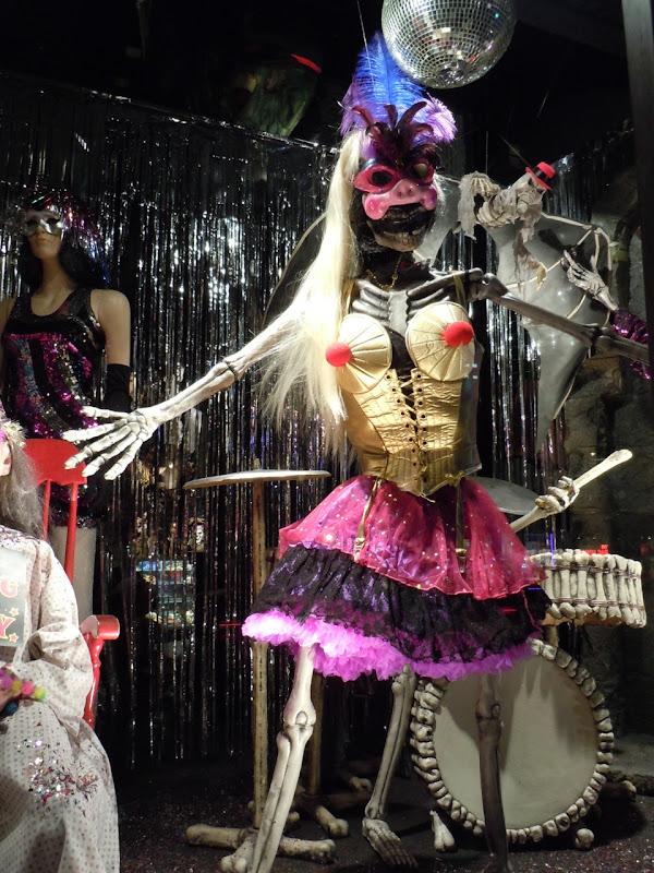 Skeleton NYC costume display