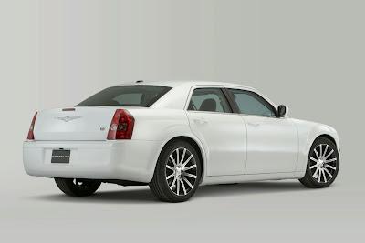 http://3.bp.blogspot.com/_GIlsuSZq_VM/S0s1lMT9SKI/AAAAAAAAbp0/In2BWC5qpyg/s400/2010+Chrysler+300+S8+6.jpg