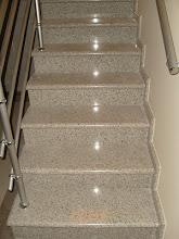 Escada em Branco Dallas