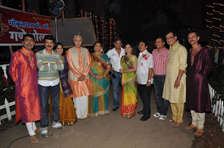 Teams of Khichdi-the Movie on the sets of Tarak Mehta ka Ooltah Chashmah