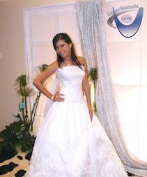 a qui les dejo el vestido de 15 años de paola galue