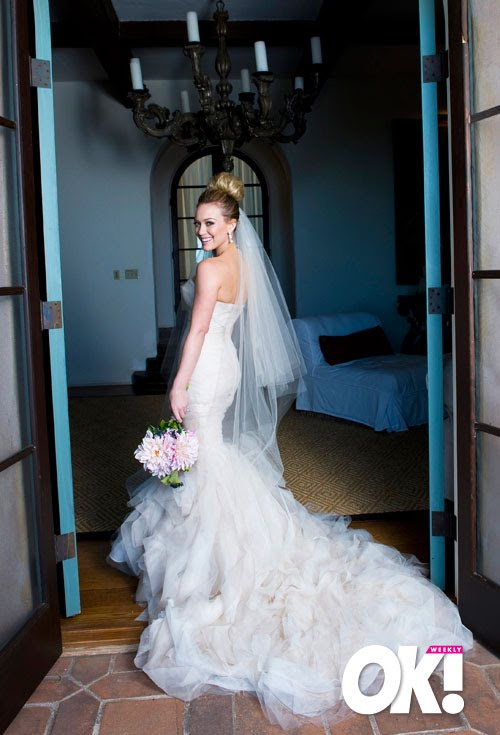 We dream and design hilary duffs wedding dress hilary duffs wedding dress love the gown d hilary looks beaaaaautifulll the hair do is veryyy perfect 3 junglespirit Images