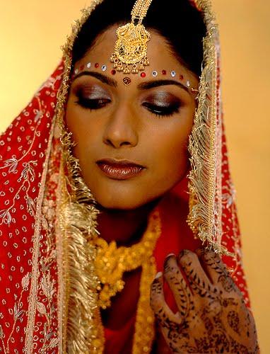 [indian-bridal-hairstyle-4.jpg]