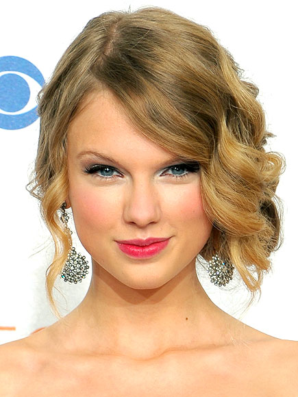 Taylor Swift Ours. 2011 Taylor Swift Eyes Weird.