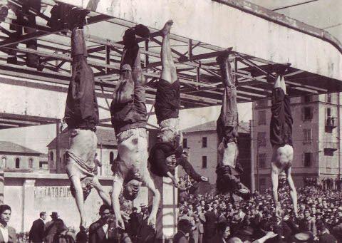 Mussolini e Petacci a Piazzale Loreto 1945