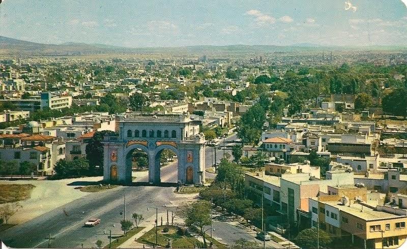Guadalajara antigua arcos en 1960 for Villas que fundo nuno de guzman