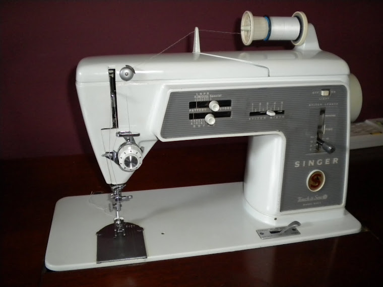 1965 Singer 600E Touch and Sew
