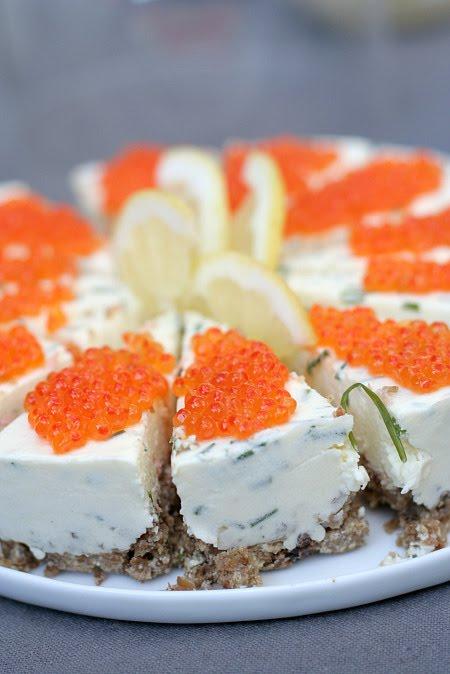 les cuisines de garance la tarte su doise au saumon oeufs de saumon midsommar la colline. Black Bedroom Furniture Sets. Home Design Ideas