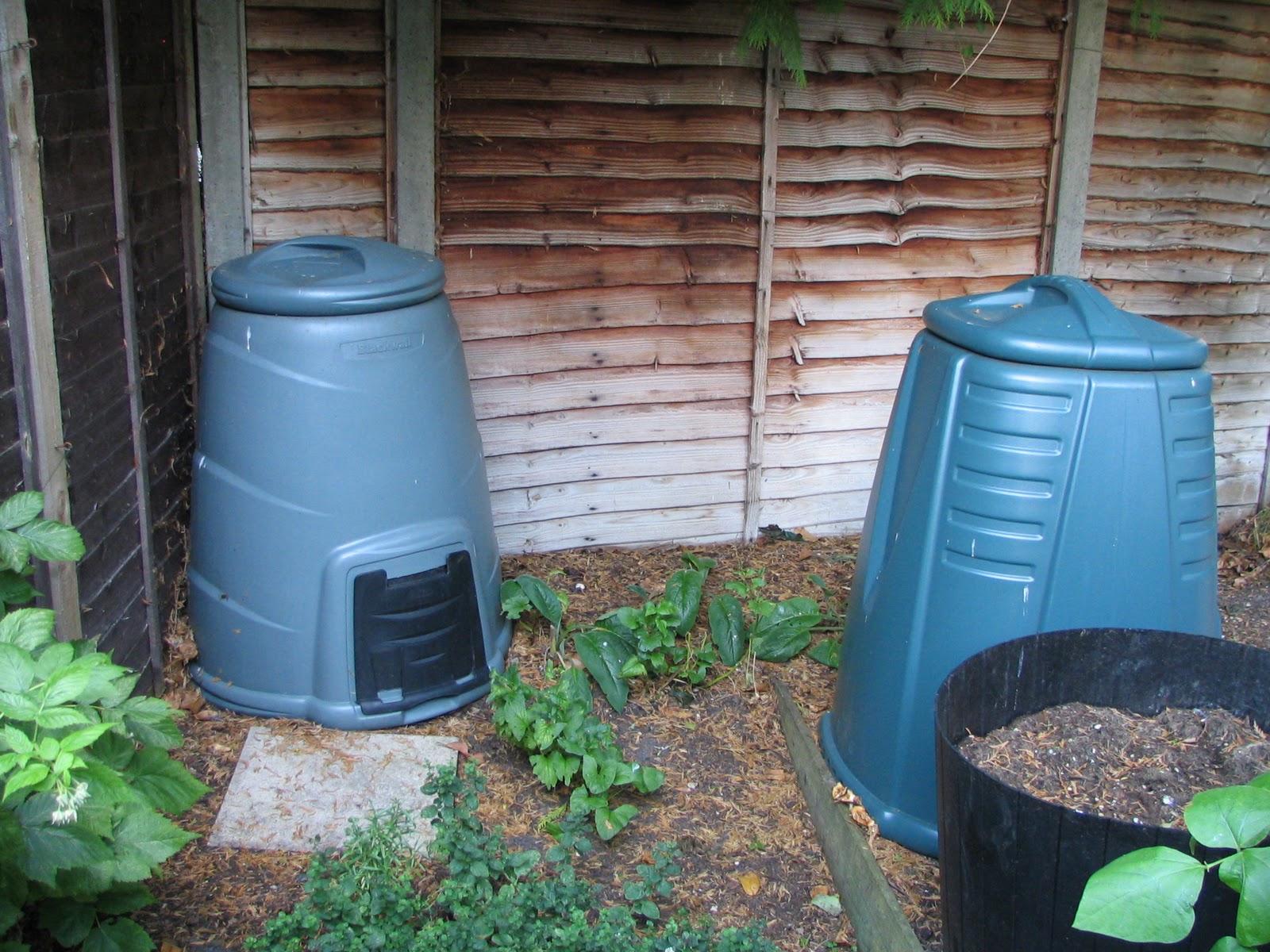 Mark's Veg Plot: Subsidised Compost Bins
