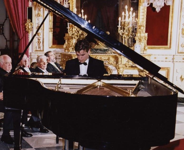 Antonio Sillero: Antonio Sillero. Piano