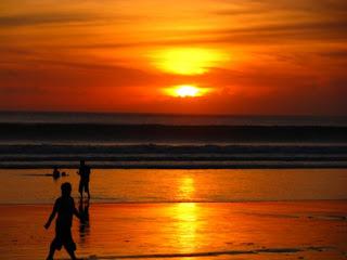 kuta beach, night life in kuta, seminyak beach