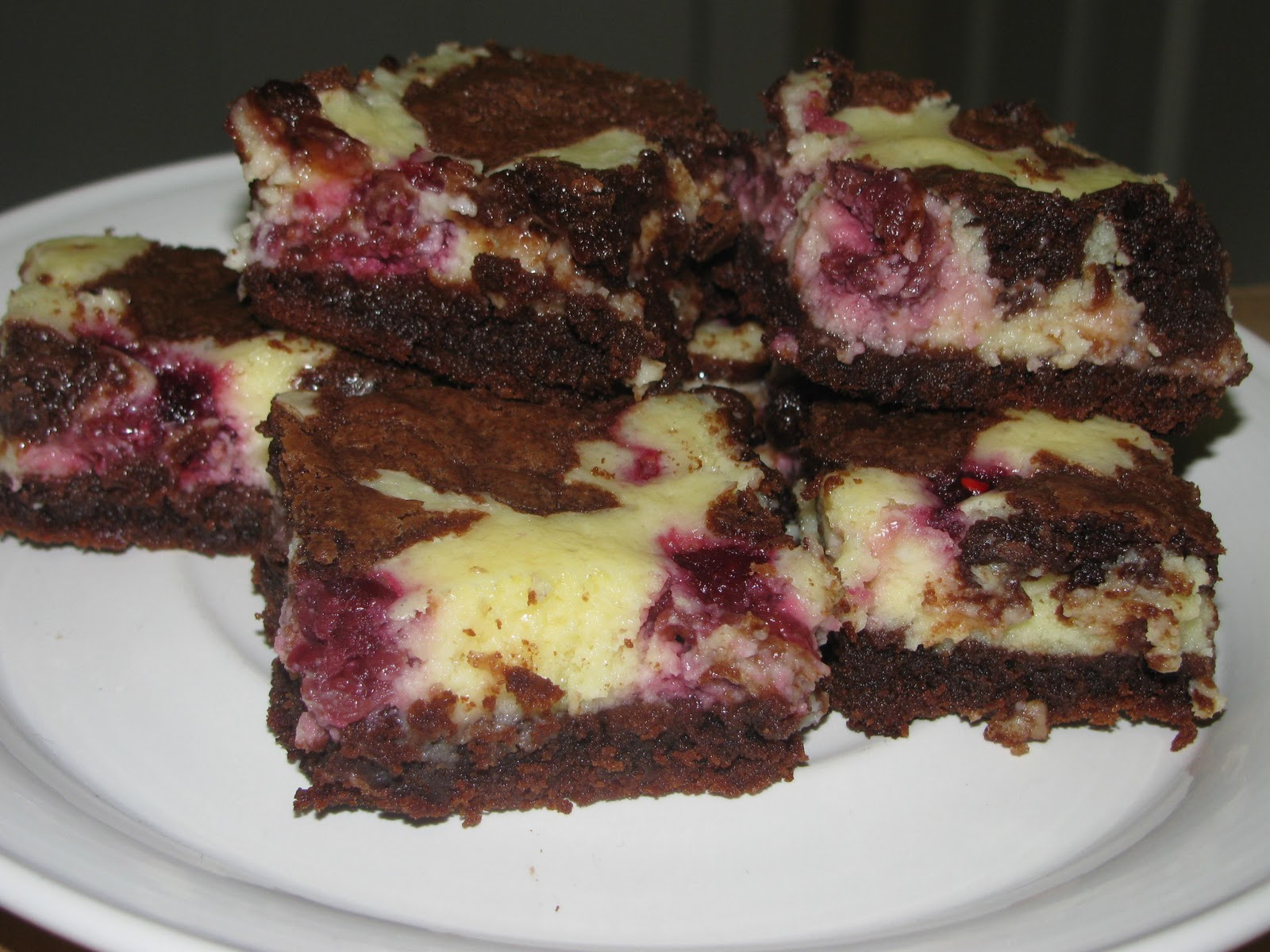 Valerie's Attempt at Pondering: Raspberry Cheesecake Brownies