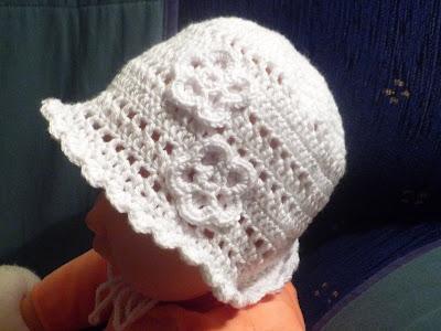 Háčkované klobúčiky...