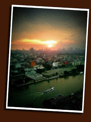 faux tiltshift effect using camphone photo of barge on pasig river