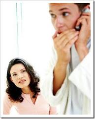 Hablar a escondidad es un signo EVIDENTE de infidelidad!!!